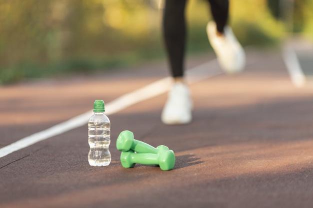 Penting cara pilih botol minuman untuk olahraga